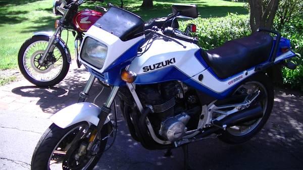Photo Suzuki GSF550E Sport bike - $1,550 (Burlington)