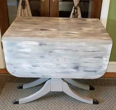 Photo Table Vintage Mahogany Shabby Chic - $350 (Cranston, RI)