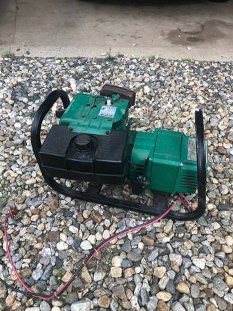 Photo Tecumseh Coleman Powermate Maxa Generator - $50 (South Windsor)