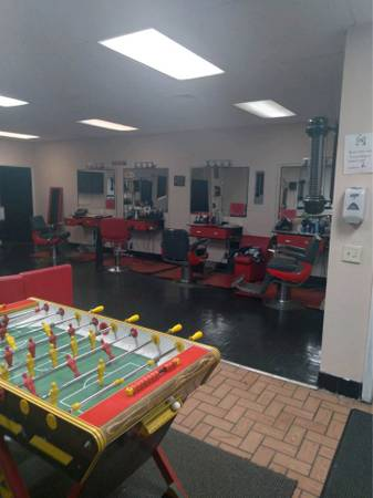 Photo Turnkey Barbershop w4 BARBERS For SALE - $15,000 (South Main St., New Britain)