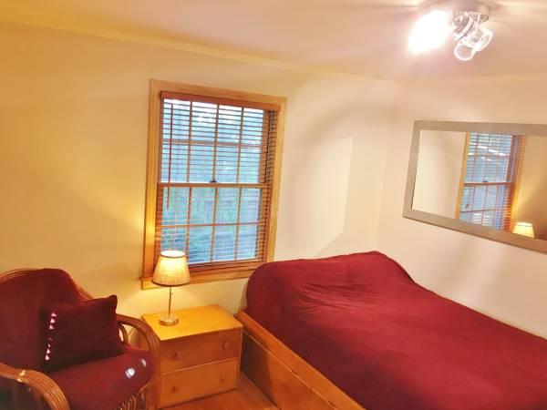 Photo Utils included GREAT WH Location Near WH Center, Uconn Health, WFarm (West Hartford)