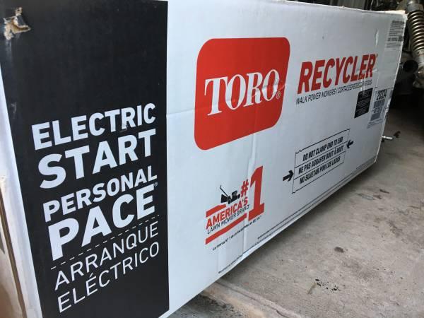 Photo brand new in box toro mower - $300 (berlin)