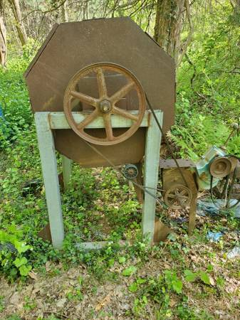 Photo dirt sifter - $300 (new britain)
