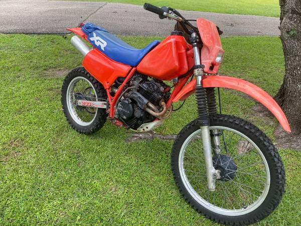 Photo 1984 Honda XR200R Enduro  Dirt-bike - $2,250 (Biloxi)