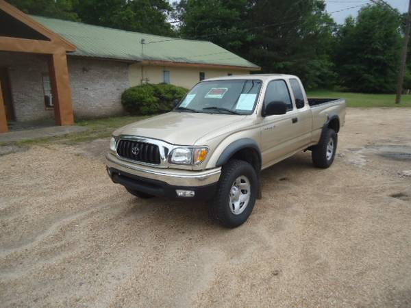 Photo 2002 TOYOTA TACOMA PRE RUNNER - $11,900 (MAGEE)