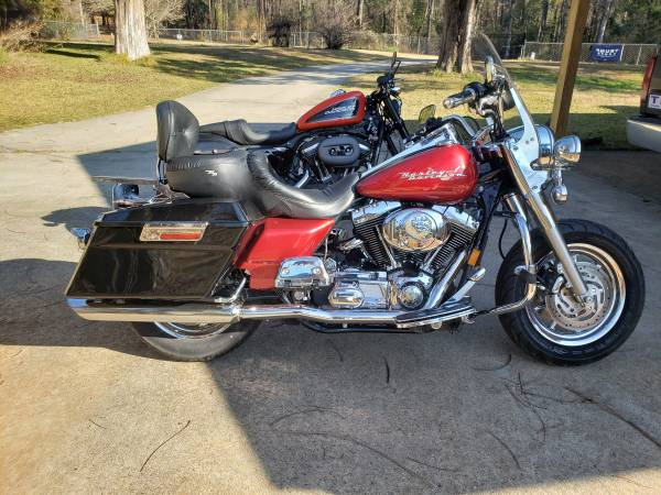 Photo 2004 Harley Road King - $5,975 (Meridian)