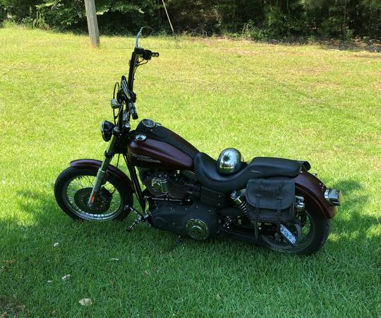 Photo 2007 Harley Davidson Dyna Street Bob - $6,000 (Moss Point)