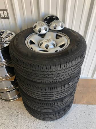 Photo 2018 Tacoma 4WD 6 lug wheels with 24575R16 tires - $250 (Laurel, MS)