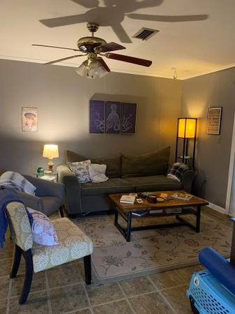 Photo 2 roommates needed for 3 bed, 2 bath house (The Avenues)