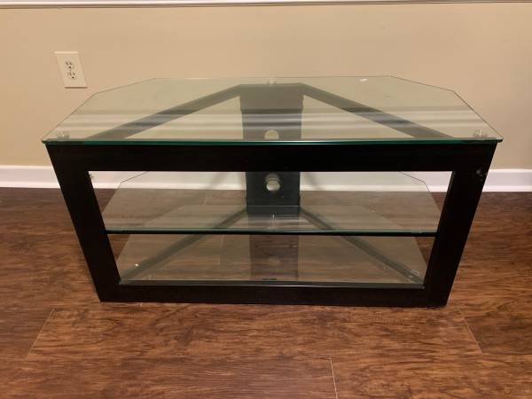 Photo 3 Piece Glass Entertainment and TV Stand - $30 (Hattiesburg)