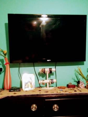 Photo 50 inch Sanyo flat screen - $100 (Biloxi)