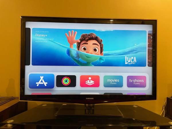 Photo 55 Samsung HDTV (5 HDMI Ports) - $200