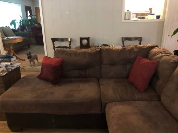 Photo Ashley Furniture Sectional with Chaise Lounge - $450 (Laurel)