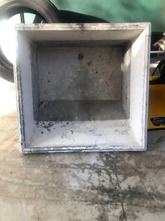 Photo Concrete Utility Sink - $100 (Metairie)
