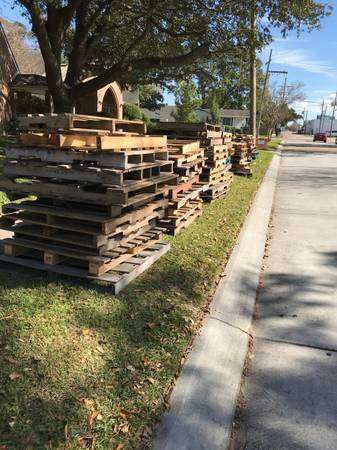 Photo Free Wood Pallets (Metairie)