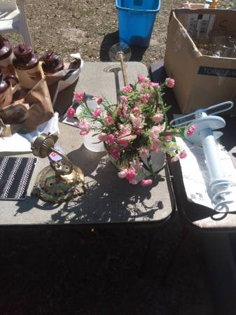 Photo Garage Sale today (Carriere, Ms 584 Rock Ranch Rd)
