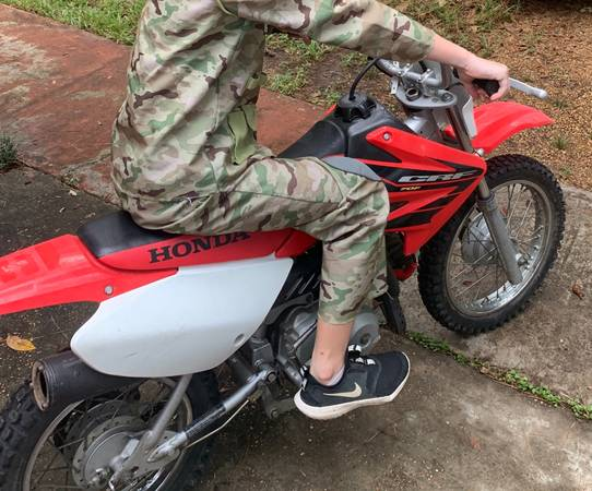 Photo HONDA CRF 70 - $1,250 (Brandon)