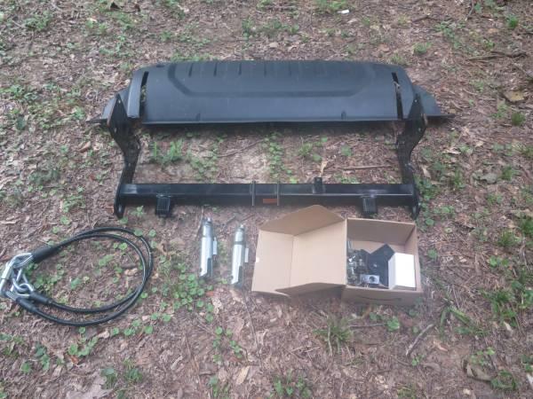 Photo Jeep Gladiator Blue OX base plate - $400 (Jackson MS)