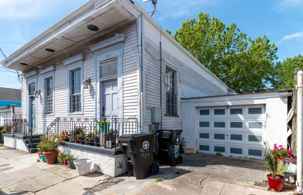 Photo Renovation opportunity on Royal Street (New Orleans)
