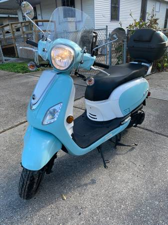 Photo Sym fiddle III scooter for sale - $1,600 (uptown)