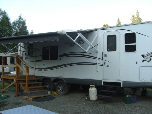 Photo 2013 Arctic Fox 25W trailer - $18,900 (East Helena)