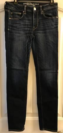 Photo AEO Ladies 6 Denim Blue Jeans, like new American Eagle Outfitters - $15 (Helena)