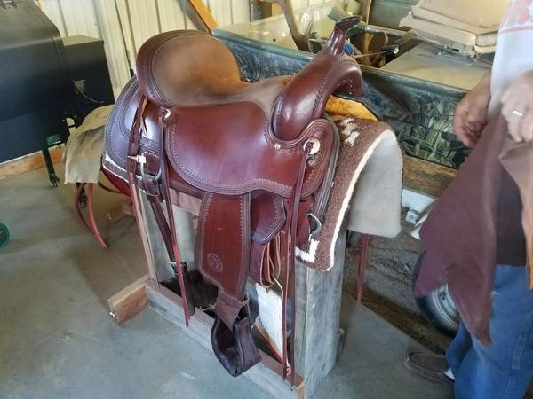 Photo Comfortable 17 inch Circle Y saddle - $2,000