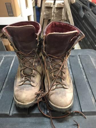 Photo Danner Boots - $18 (Helena)