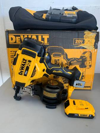 Photo Dewalt 20-Volt MAX 15-Degree Cordless Roofing Nailer w 2.0 Ah battery, Charger - $299 (Helena)