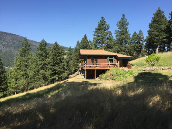 Photo Month-to-Month Room for Rent in a Mountaintop Custom-Built Home (Colorado Gulch)
