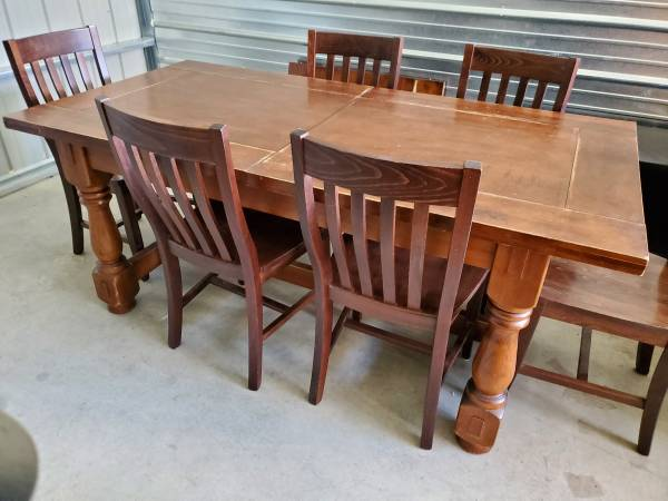 Photo Pottery Barn Dining Table and Chairs - $950 (Clancy)