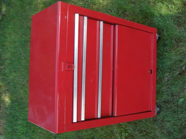 Photo Sears Craftsman rolling tool chest - $140 (Helena)
