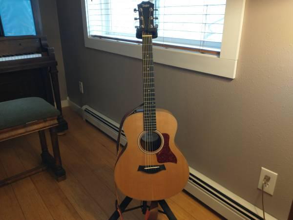 Photo Taylor GS Mini Acoustic-Electric Guitar - $475 (Helena, MT)
