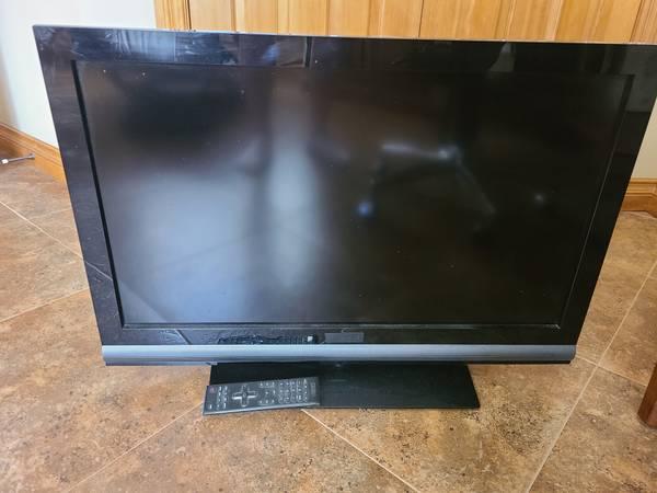 Photo Vizio 32 inch flat screen TV - $30 (Helena)