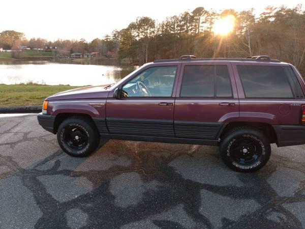 Photo 1995 Jeep Grand Cherokee Loredo All wheel Drive - $1850 (BethlehemHickory NC)