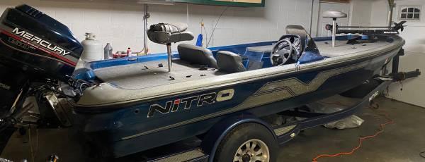 Photo 1996 nitro bass boat - $7,000 (Lenoir)
