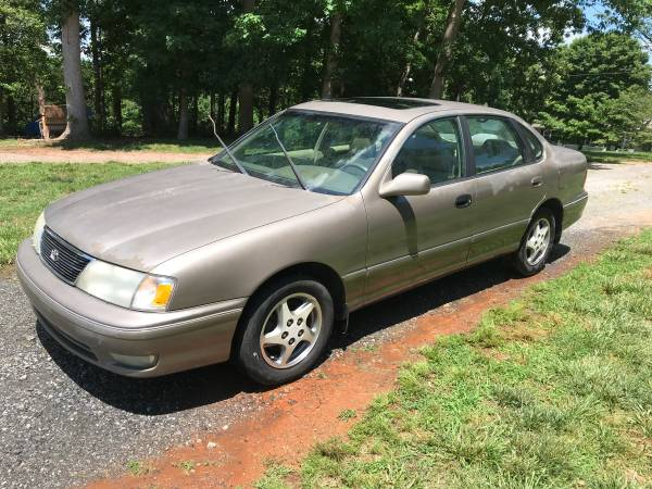 Photo 1998 Toyota Avalon XLS - $2000 (Connelly Springs)