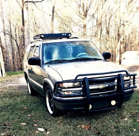 Photo 2000 Chevy Blazer - $2,500 (Catawba)