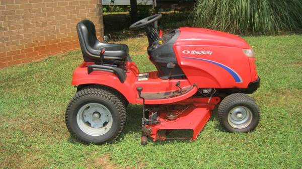 Photo 2003 Simplicity Conquest Mower 16hp 44quot cut - $1,475 (Maiden NC)