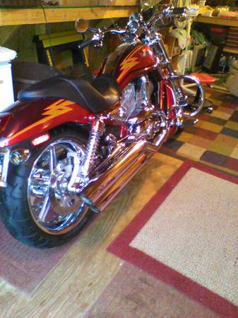 Photo 2005 harley v-rod screamin eagle cvo - $10,000 (lincolnton)