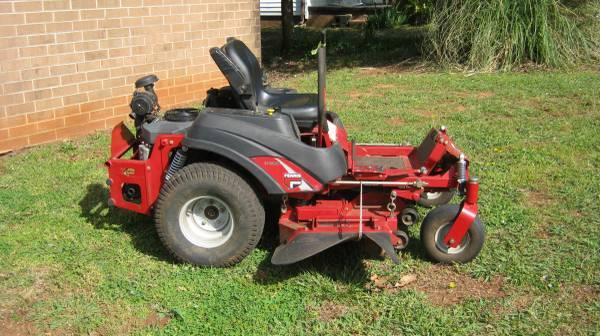 Photo 2006 Ferris IS1500Z Zero Turn Mower 44quot 19HP - $2550 (maiden nc)