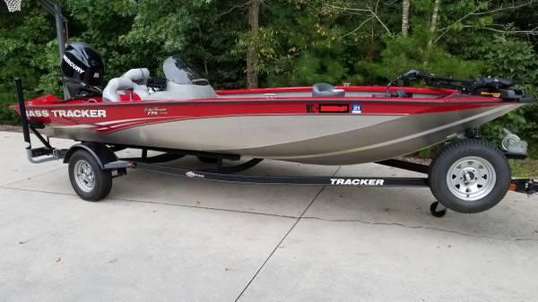 Photo 2012 Bass Tracker PT 175 txw bass boat - $12,000 (Taylorsville)