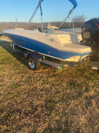 Photo 2020 Stingray 182SC Deck Boat REDUCED(Contact Daniel 7062807377) - $1 (CHATTANOOGA)