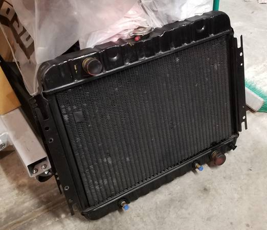 Photo 64-67 Chevy Chevelle Malibu Factory 3 Row Radiator wSpacer - $150 (Mooresville)