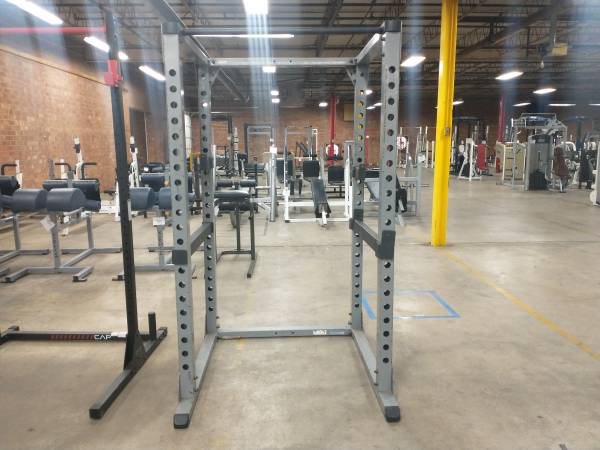 Photo Body Solid Power Cage - Used - $450 (Hickory)