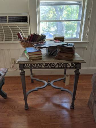 Photo Century furniture, side table - $75 (Hickory)
