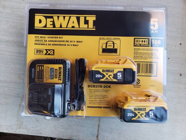 Photo Dewalt 5AH dual battery kit with charger and case DCB205-2CK 5 AH - $125 (newton)