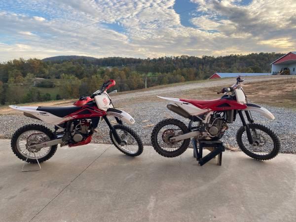 Photo Dirtbike 250 Husqvarna - $4,500 (Taylorsville)