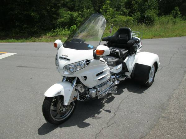 Photo HONDA GOLDWING GL 1800 W CSC COBRA TRIKE KIT CONVERSION - $16,500 (Rome,GA)