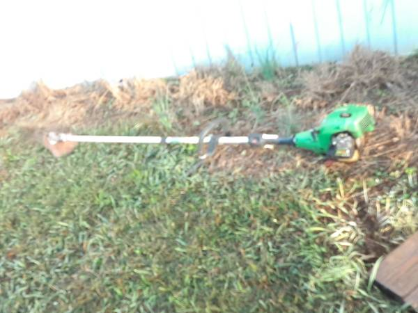 Photo John Deer weedeater - $100 (Morganton)